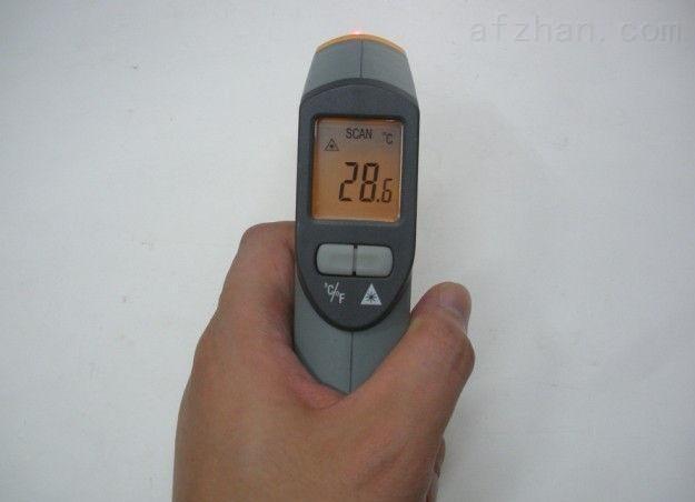 人体红外测温仪 ST-631