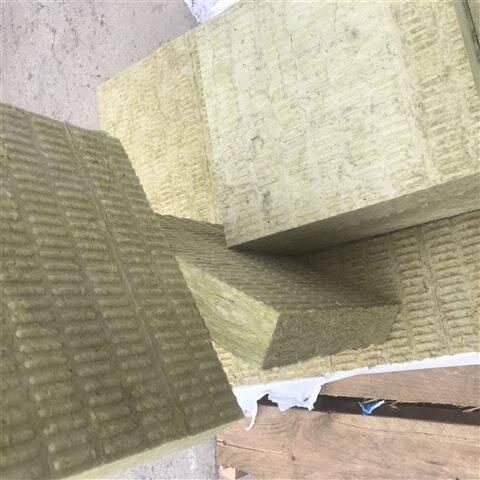 屋面岩棉保温板批量出售