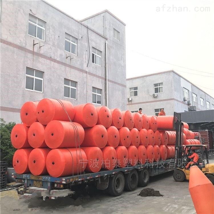 青藏高原水电站漂浮物拦截浮筒