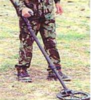 新剑英国便携式地雷金属探测器MD8+
