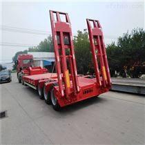 13.75米摊布机低平板半挂运输车尺寸