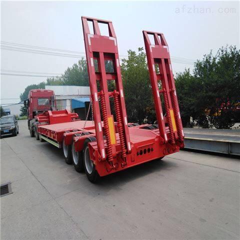 13米低平板挖机拖车钩机板运输半挂车